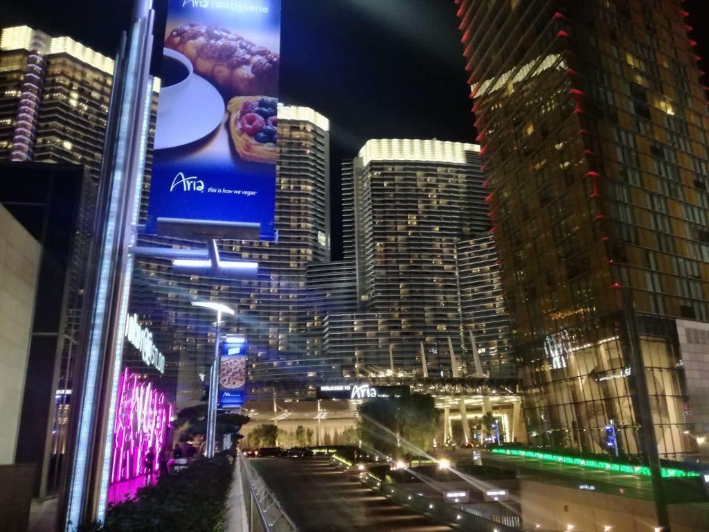 City Center Las Vegas: di fronte all'ingresso dell'Aria.
