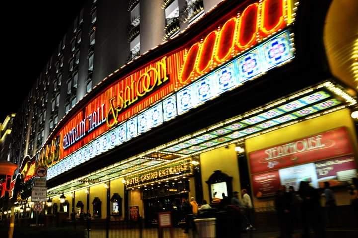 Ingresso del Bill's Gamblin' Hall & Saloon - Scoprire Las Vegas