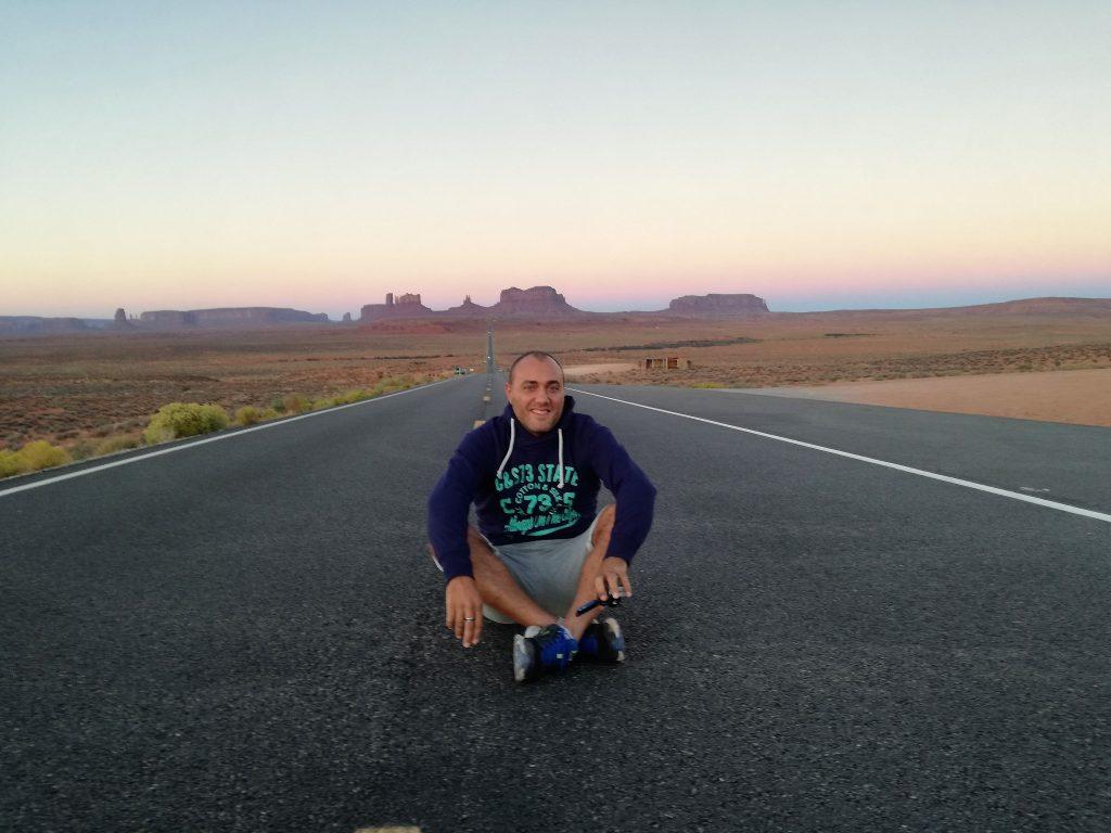 Dome al Forrest Gump point, con sullo sfondo la Monument Valley - Visita Monument Valley e Grand Canyon