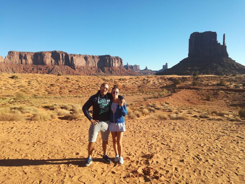 Visita alla Monument Valley e Grand Canyon in un giorno. Simo e Dome alla Monument