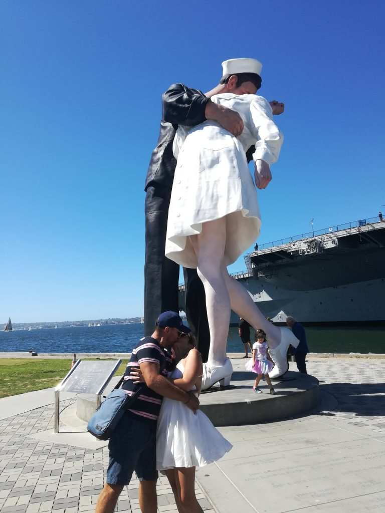 The Unconditional Surrender - Originale e copia perfetta - Tuna Harbor Prak - visita di San Diego - California
