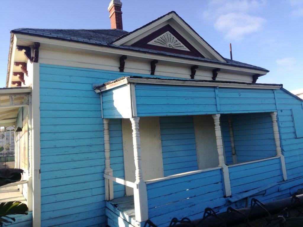 Casa di Charlie di Top Gun in stile Folk Victorian, nel suo sito originario - Oceanside - California