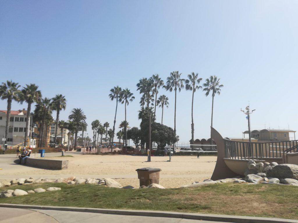 bici Santa Monica Venice inizio pista ciclabile vicino al molo di Santa Monica
