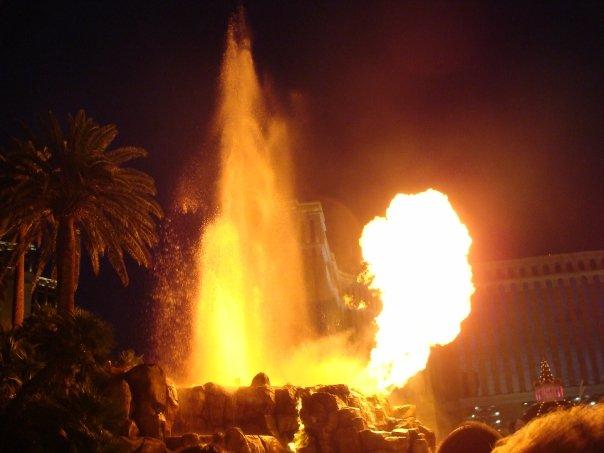 Eruzione del Vulcano al The Mirage - Top 10 attrazioni gratuite a Las Vegas