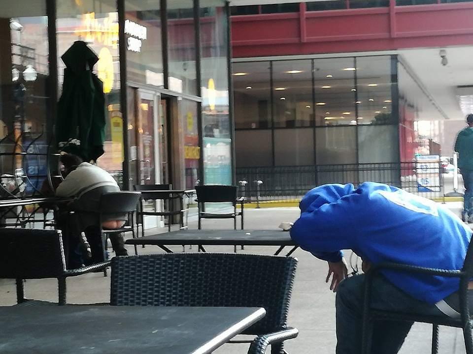 Personaggi strani vicino a Union Station Chicago