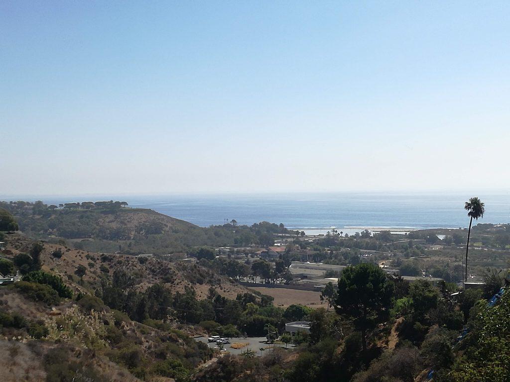 Colline con sullo sfondo le spiagge di Malibu