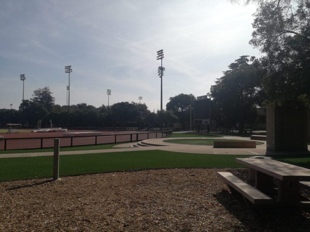 Ingresso del campo sportivo della Stanford University in Silicon Valley