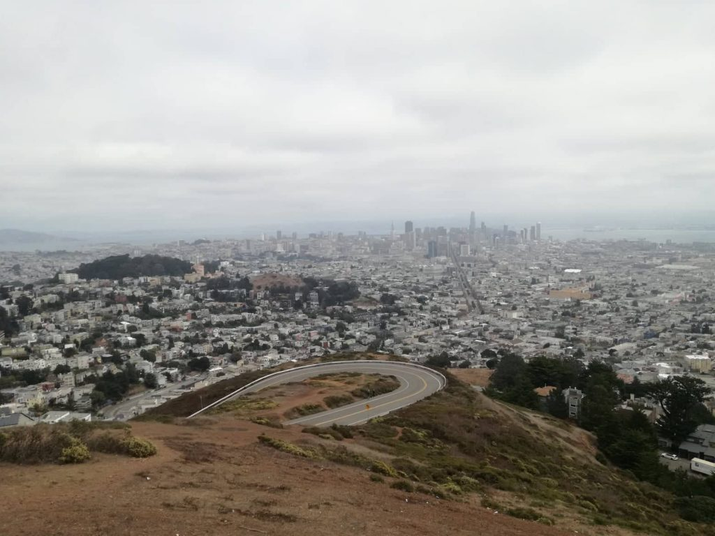 Ultimo giorno a San Francisco - Vista da Twin Peaks dello skyline in lontananza
