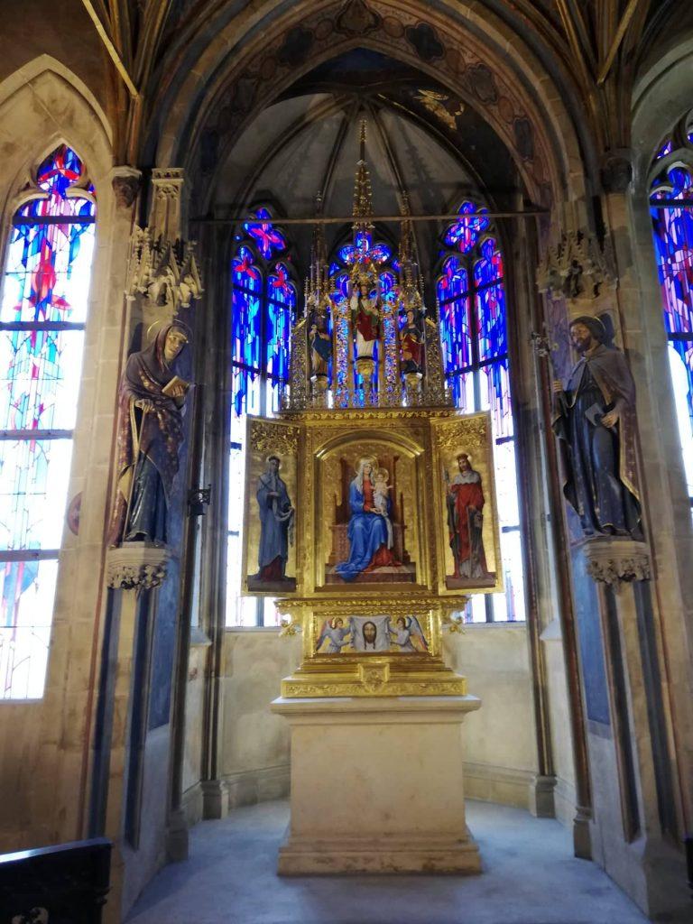 tour del Municipio della città Vecchia di Praga cappella interna
