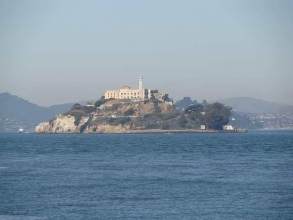isola di Alcatraz San Francisco, penitenziario visto dal traghetto