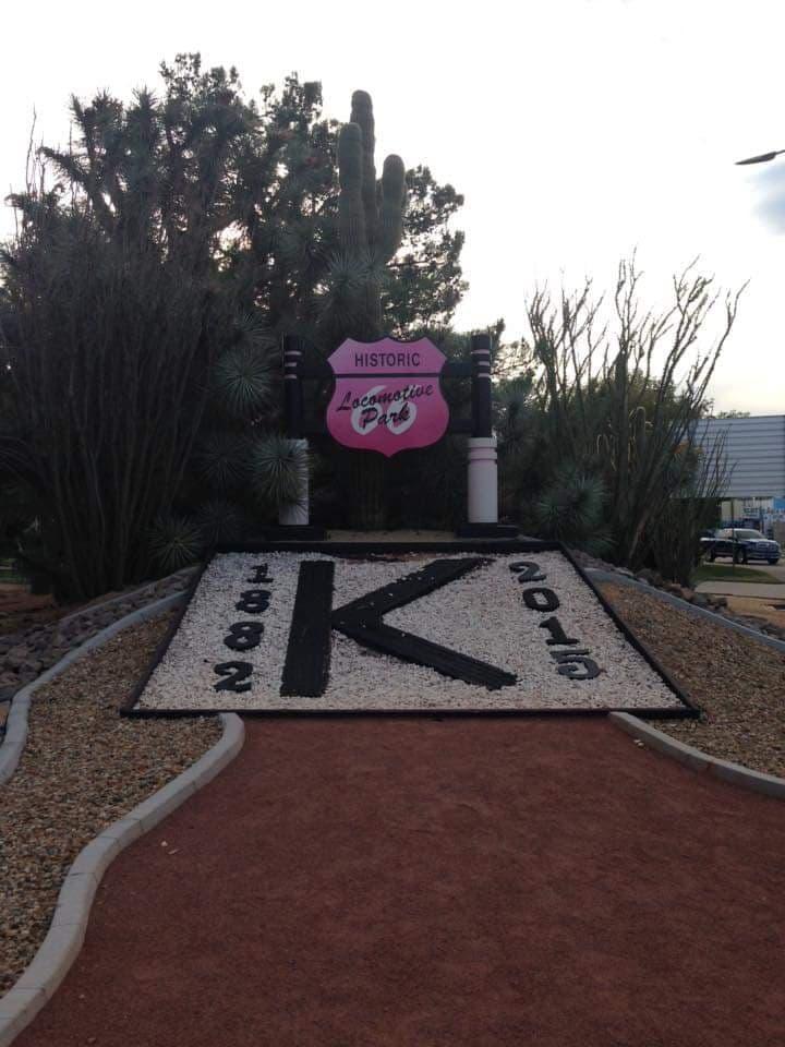 Kingman Locomotive Park -attrazioni lungo la Route 66 - Arizona -foto del 2015