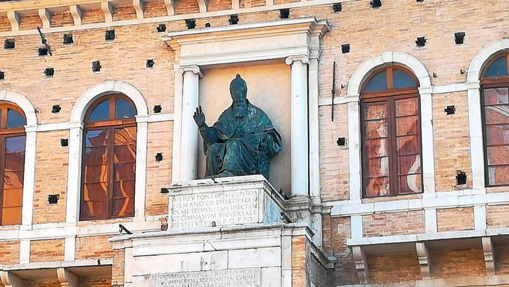 Palazzo dei Priori - Sisto V - Fermo Photowalk