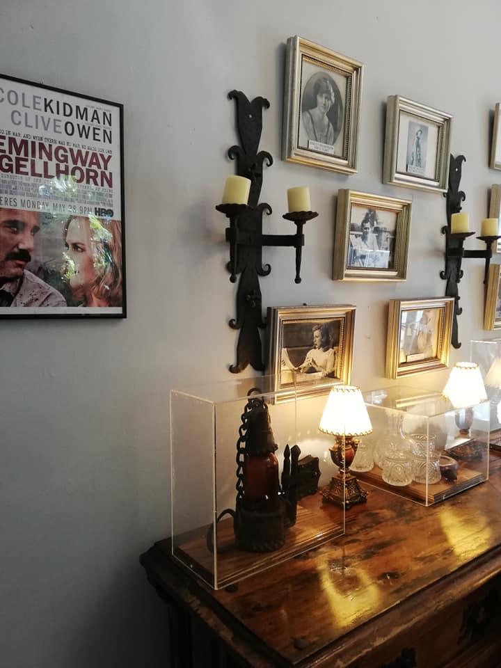 visitare la casa di Hemingway a Key West - i ritratti delle 4 mogli