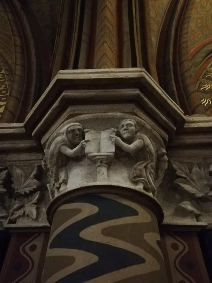 La più vecchia scultura in pietra di Budapest - Chiesa di Mattia