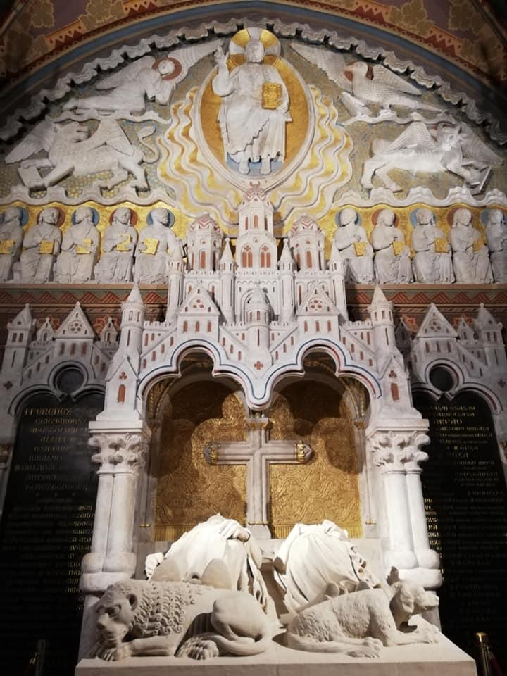 Tombe di Bela III e di Anna di Chatillon - Chiesa di Mattia - budapest