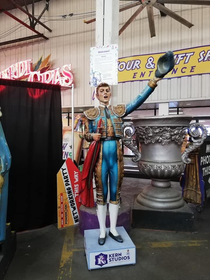 Kern Studios Statue - visita Mardi Gras World New Orleans