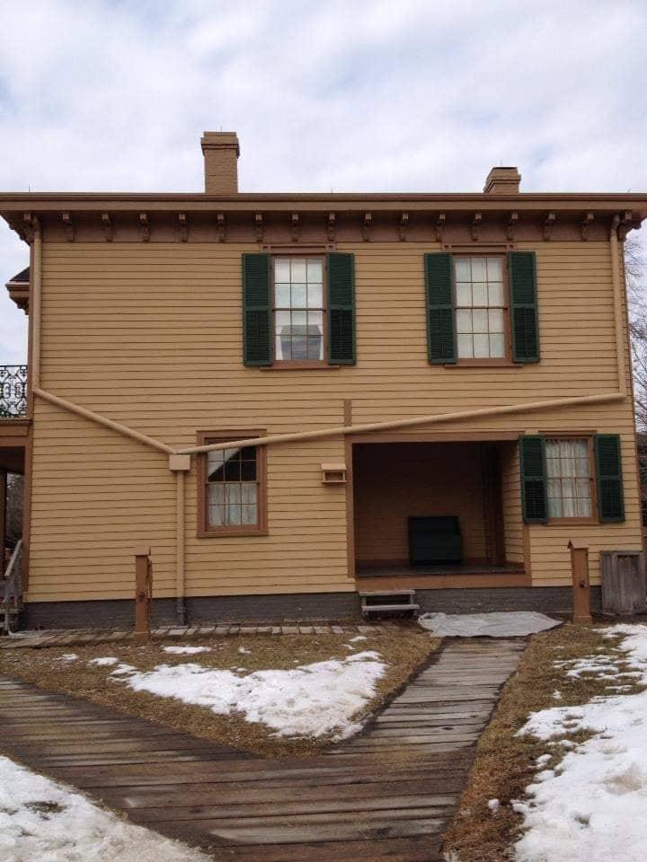 Visitare la casa di Lincoln a Springfield Illinois - Esterno