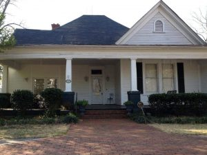 Casa di Caroline Forbes - visitare the Vampire Diaries location - Covington Ga
