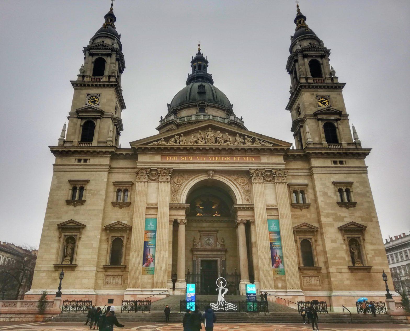 Visitare la Basilica di Santo Stefano a Budapest - facciata esterna
