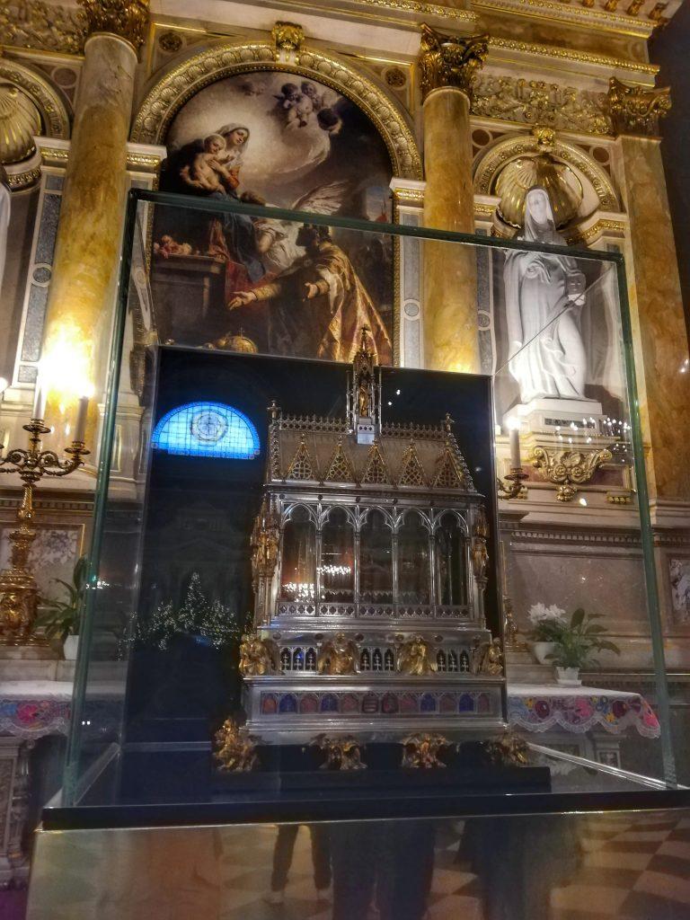 Basilica di Santo Stefano Budapest Altare della Santa Destra