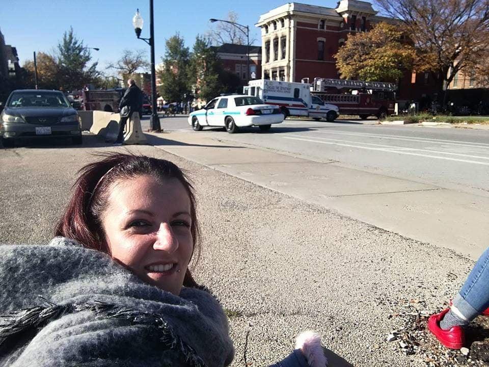 Io accampata per assistere alle riprese del telefilm Chicago Fire