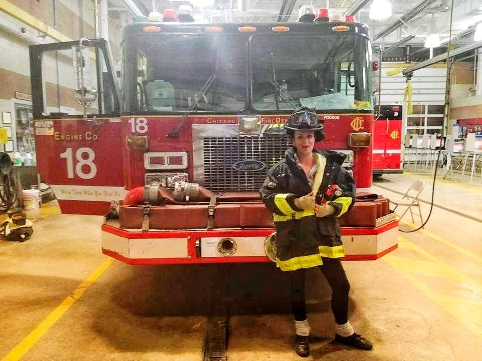 Visitare la Caserma di Chicago Fire - prova vestiti