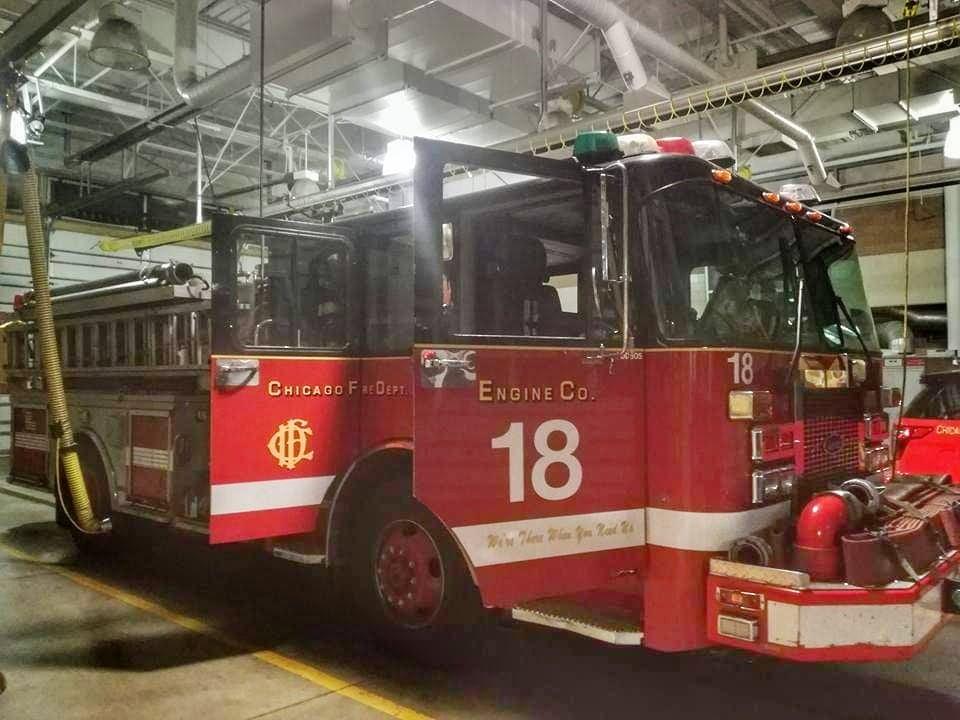 Visitare l'interno della caserma di Chicago Fire