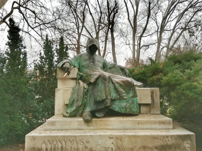 Cosa vedere a Budapest in 3 giorni - statua dell'Anonimo