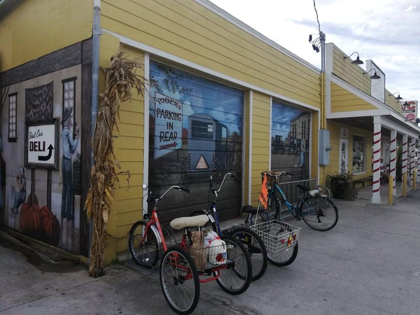 Tricicli come mezzo di trasporto degli Amish in Florida - Comunità Amish in America Florida