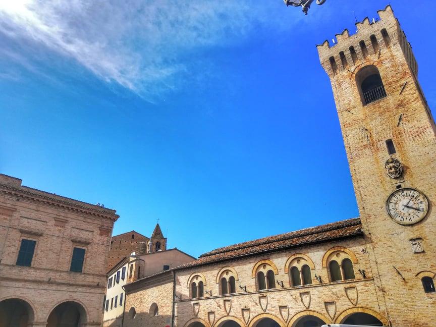 cosa vedere a Montelupone Palazzo dei Priori Ufficio del Turista