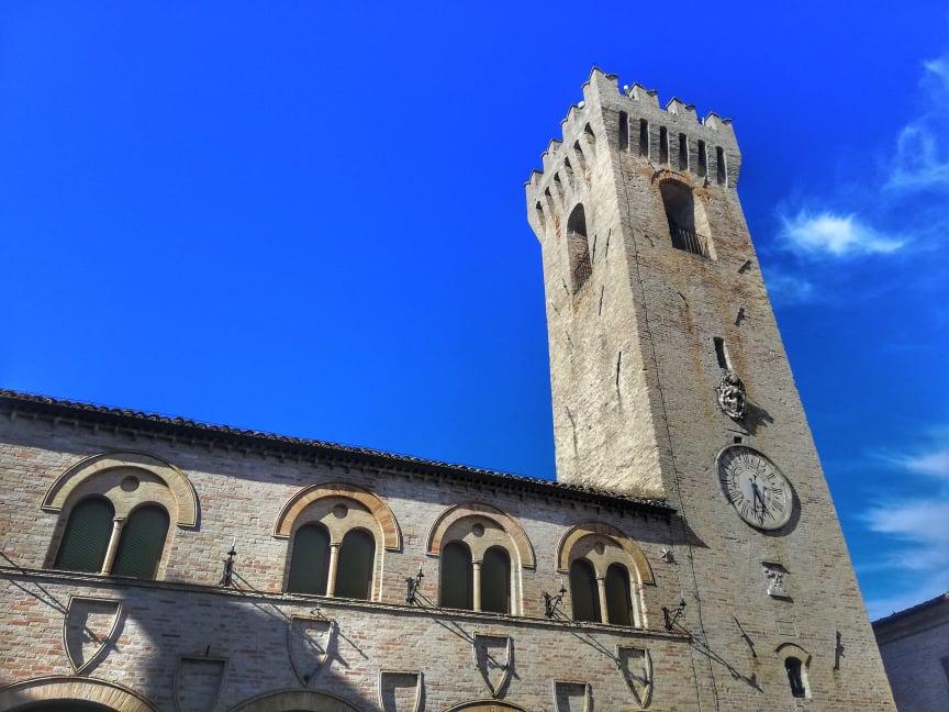 Cosa vedere a Montelupone - Palazzo dei Priori e la Torre civica