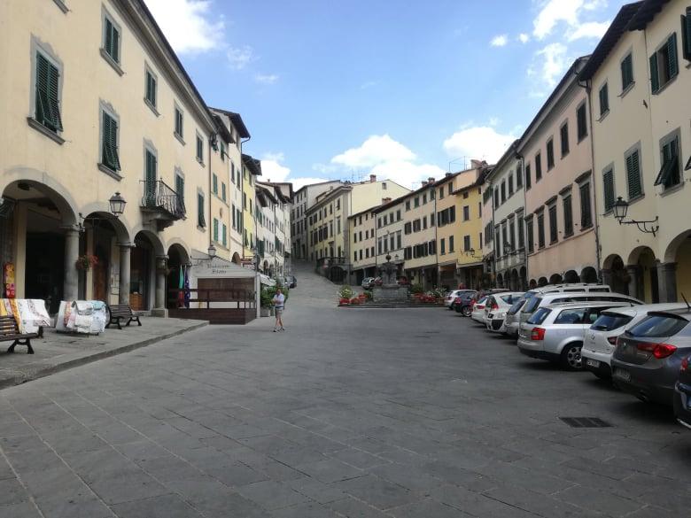 Piazza Tanucci Stia -Location  Il Ciclone cosa fare  weekend in Casentino
