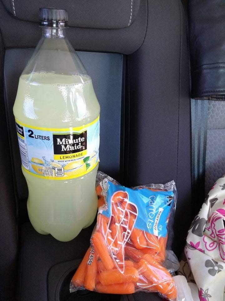Lemonade fedele compagna di on the road fare la spesa al Walmart in America