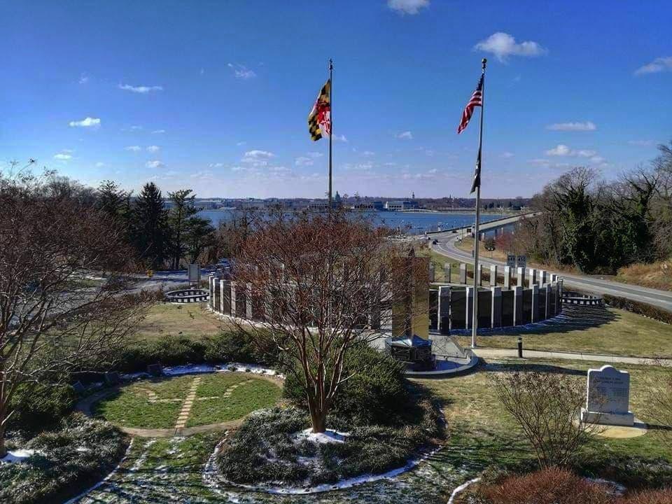 visitare il World War II Memorial Annapolis vista panoramica dalla terrazza