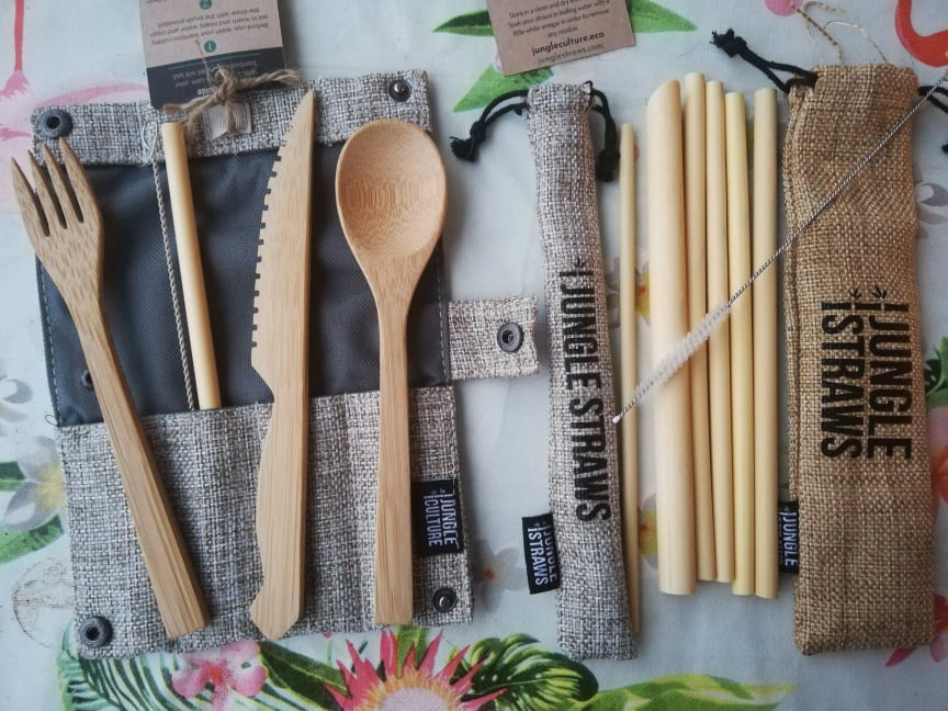 accessori eco friendly viaggio kit posate e cannucce bamboo