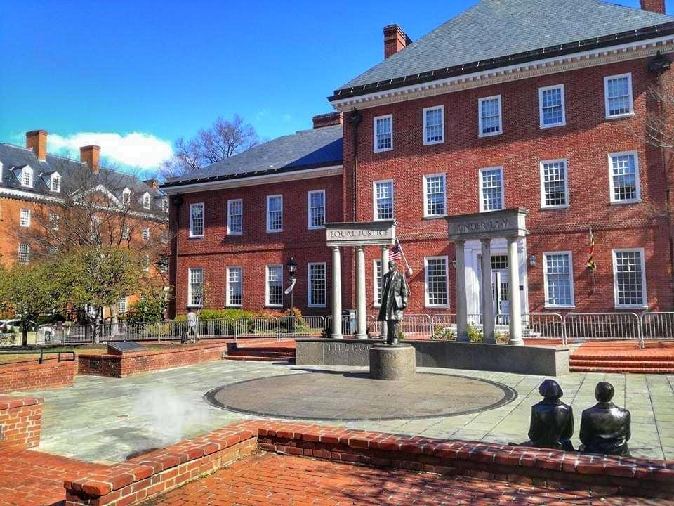cosa vedere ad Annapolis Thurgood Marshall Memorial il primo afroamericano che prestò servizio presso la Corte Suprema