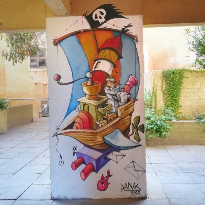 veliero macinino - opera di Daniela Nasoni - street art Ancona murales Capodimonte