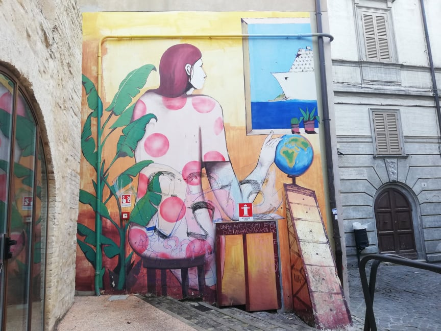 Donna Coccinella 2018 by Run Museo della città via Buoncompagno tour murales Ancona