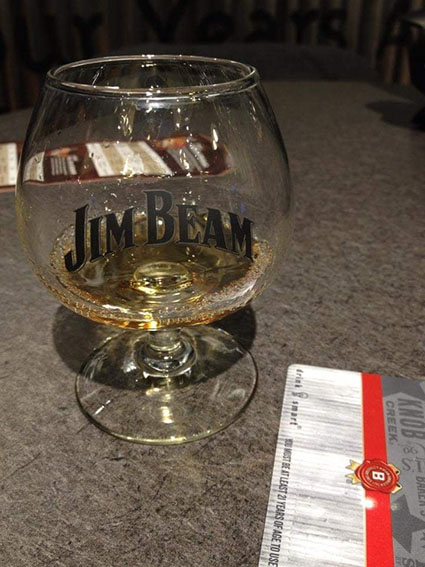 assaggio di Jim Beam Honey alla fabbrica di Clermont Kentucky