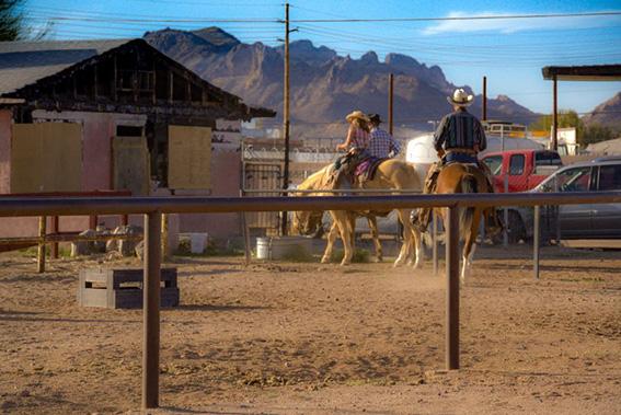 Ristorante con parcheggio e abbeveratoio per cavalli - Arizona ©5Socci di Monica Socci