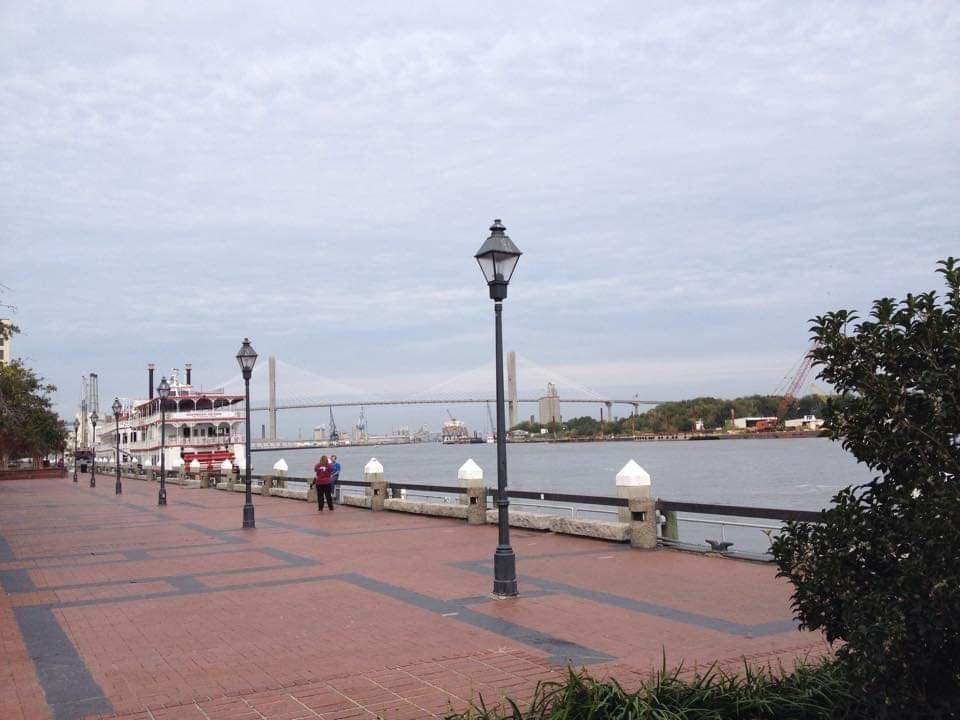 Cosa Vedere a Savannah Georgia Savannah River con Talmadge Memorial Bridge