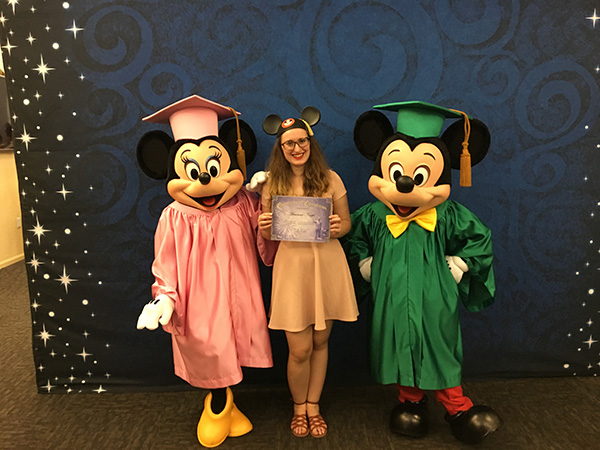 Graduation Day per Disney World, Arianna di Word in Technicolor con Topolino e Minnie - Intervista per Usa La Valigia