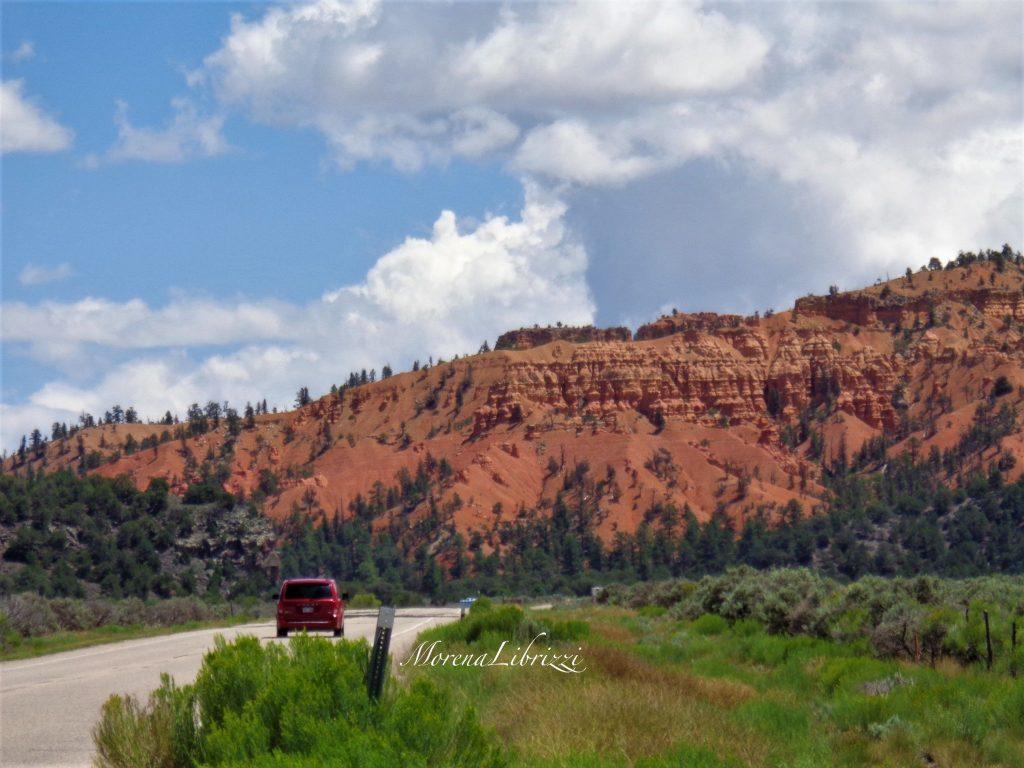 On the road lungo una delle bellissime strade dello Utah ©Morena Librizzi - Intervista per Usa la Valigia