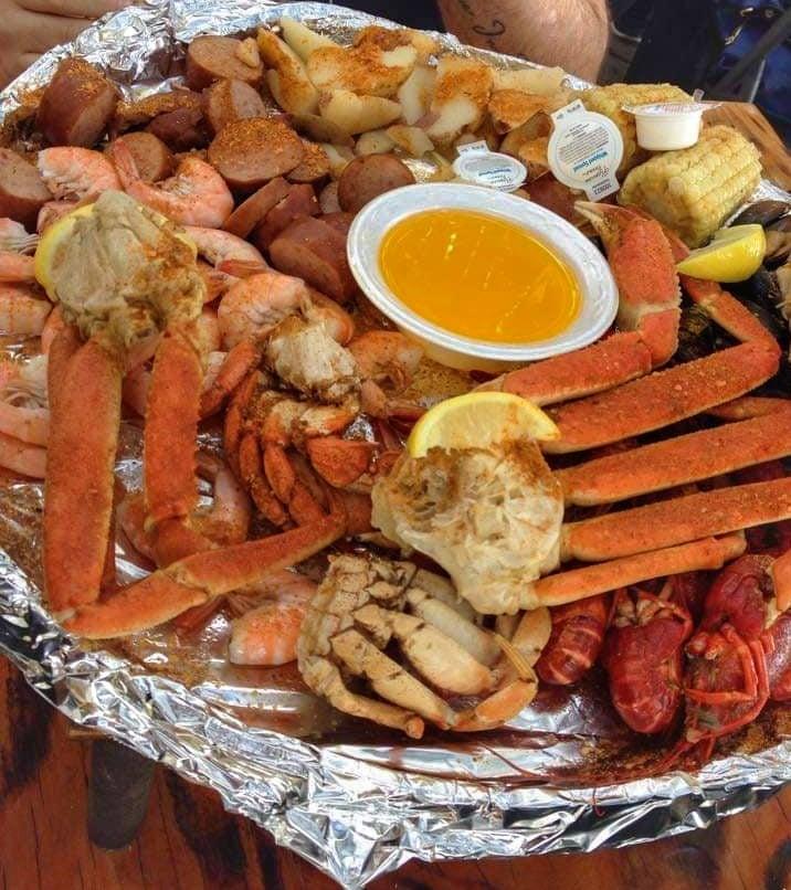 Captain's Sampler Platter per 2 persone al The Crab Shack il miglior ristorante pesce Tybee Island