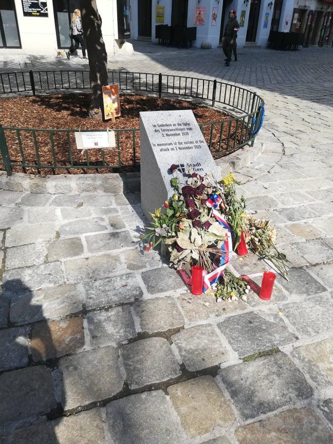 Monumento in memoria delle vittime dell'attentato del 2020 a Vienna