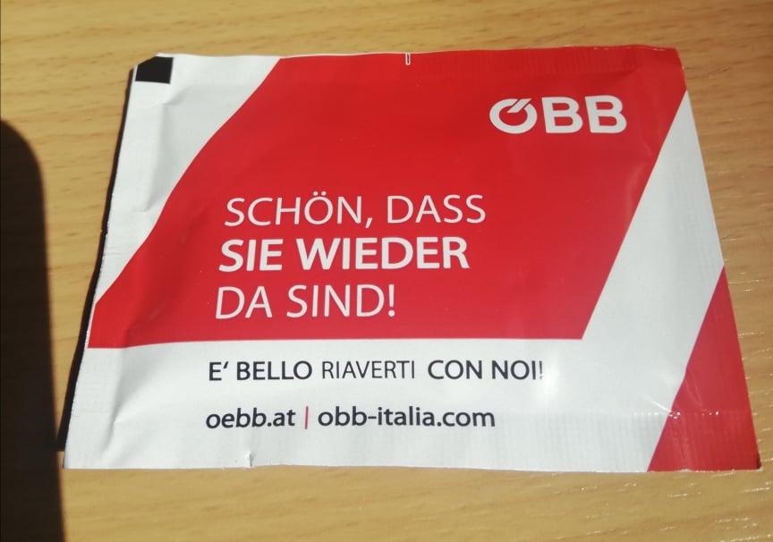 Salvietta igienizzante fornita sui treni OBB - sicurezza viaggi internazionali treno coronavirus