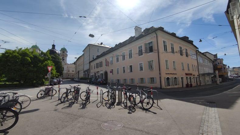 Residenza di Mozart dalla piazza di fronte - Salisburgo