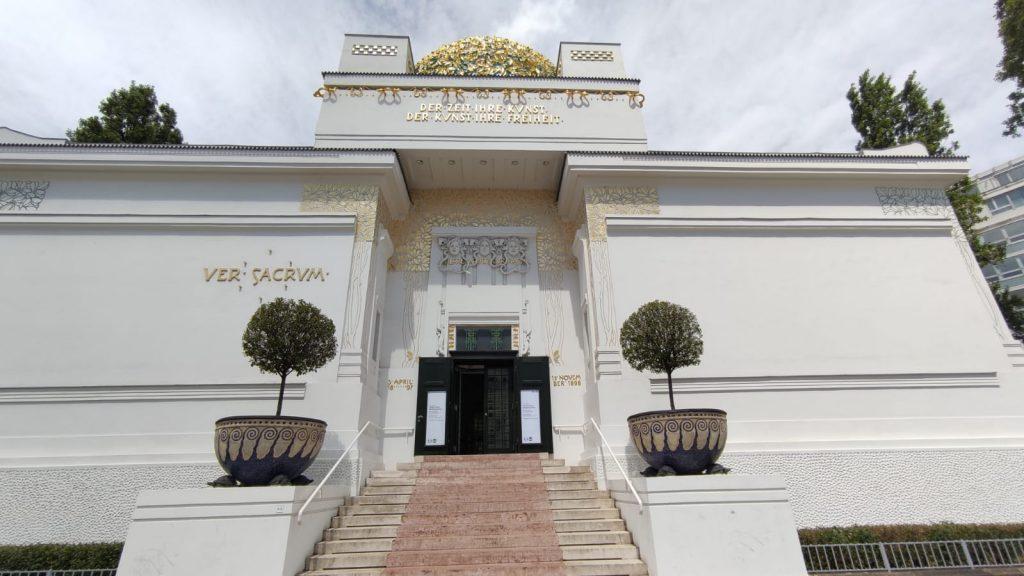 Vienna cose da vedere insolite il palazzo della Secessione viennese
