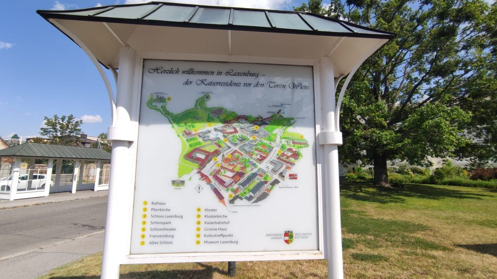Mappa di Laxenburg all'ingresso del paese