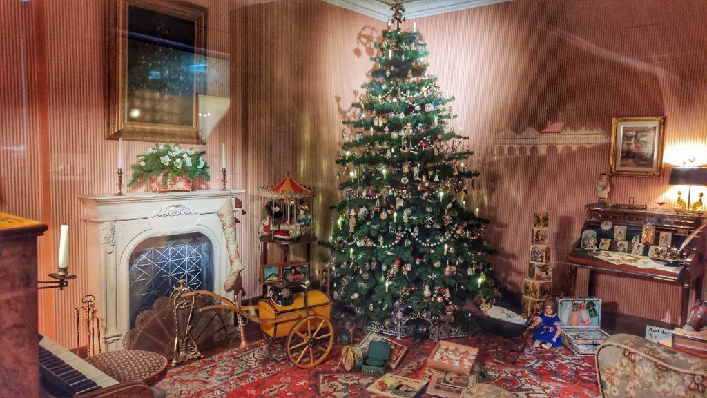 Stanza tradizionale del Natale nel 1910 riprodotta al Museo del Natale di Salisburgo